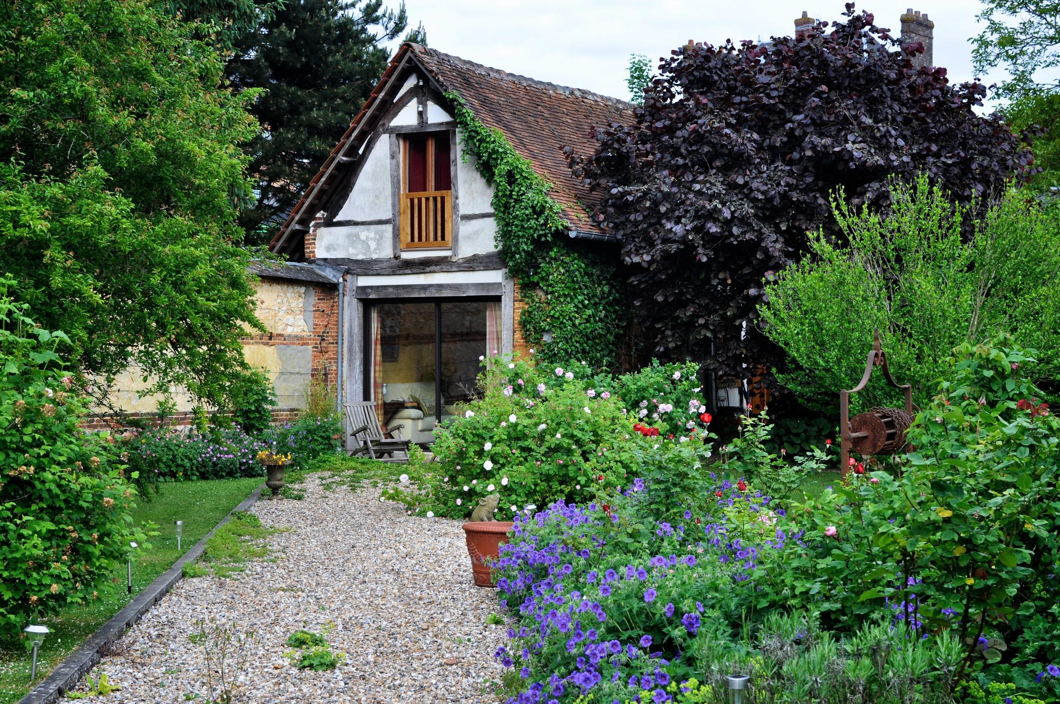 Jardin de maison minecraft skyblock ep 2 le jardin de la maison jardin de maison avec l tang for Maison du jardin paris
